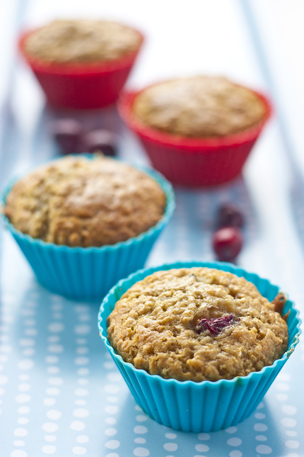 Oatmeal muffins with cranberry