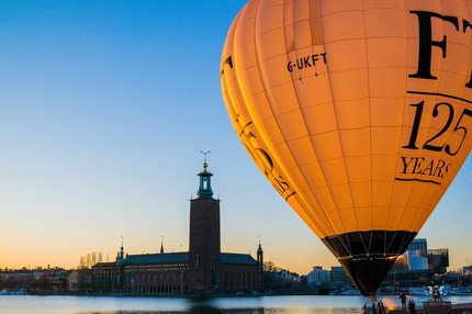 City Hall (Stadshuset) and Balloon