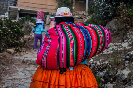 Bolivia - Cholitas on Isla del Sol